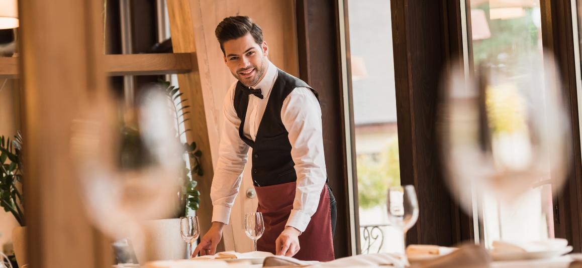 fai anche tu questi errori quando servi al tavolo?